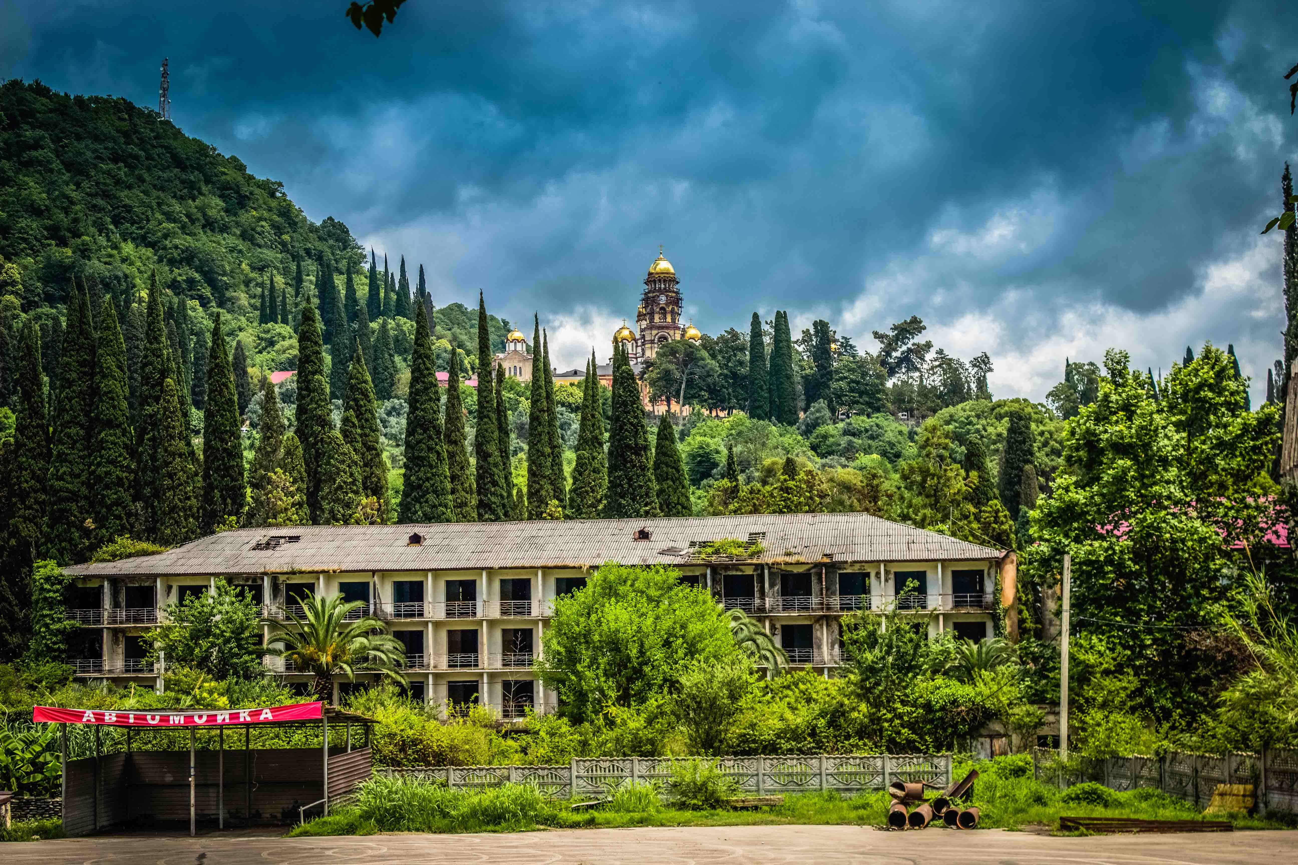 Город курорт в абхазии новый афон - фото города и пляжа, достопримечательности и красивые места солнечная абхазия расположилась между северо-восточным берегом чёрногоморя исеверо-западной части.