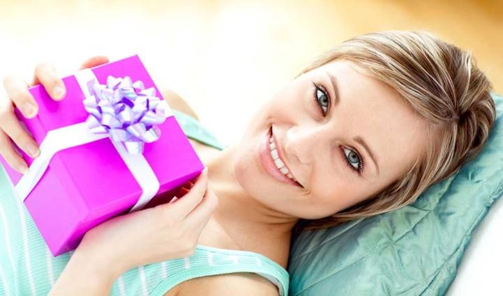 Дорогой подарок девушке на день рождения
