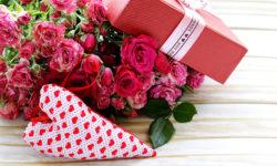 Что подарить жене на 8 марта? Идеи недорогих подарков