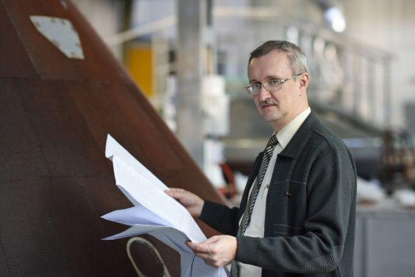 Сколько зарабатывают инженеры в России и за границей