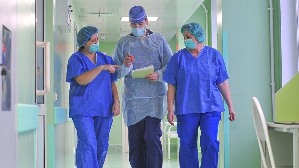 Зарплаты врачей в России и США: сравнение