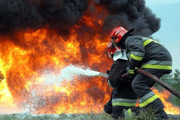 Сколько зарабатывают пожарные в России