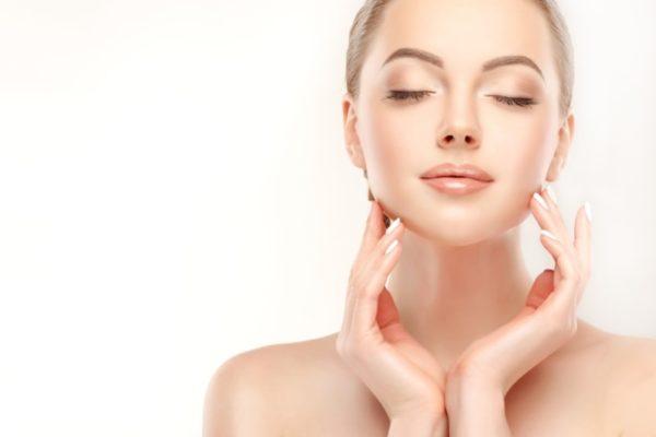 8 лучших косметических процедур для кожи лица после 30 лет