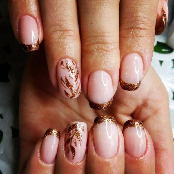 Модный маникюр на осень 2019 года для коротких ногтей