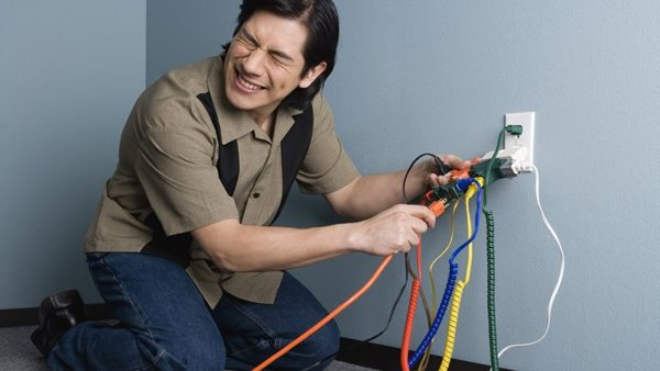 Виды обрыва нулевого провода и последствия