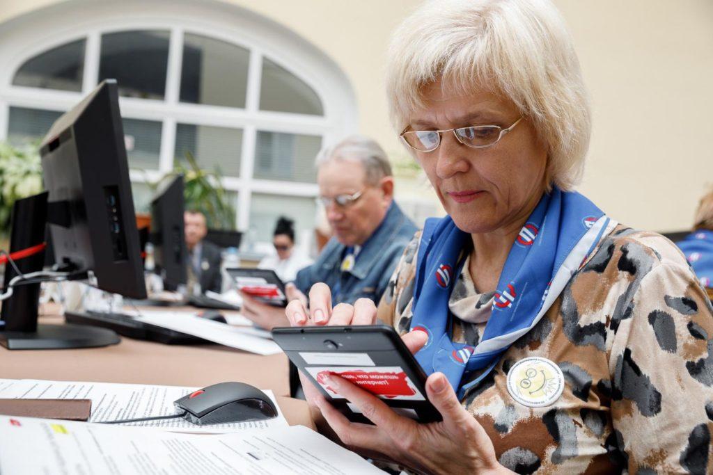 Как власти хотят заставить работать тех, кому скоро на пенсию