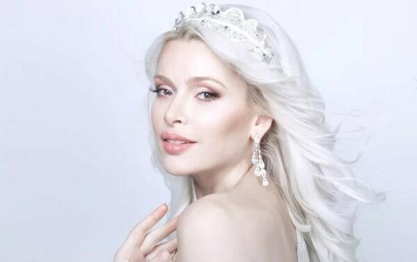 Фото Алены Кравец без макияжа и парика