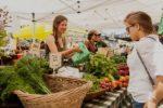Лайфхак: как правильно торговаться на рынке в другой стране