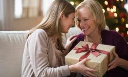 Интересные подарки на Новый год 2021 маме
