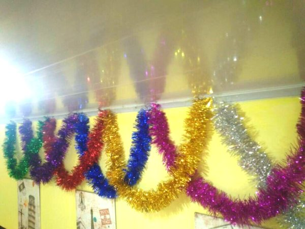 Идеи декорирования комнаты на Новый год 2021 своими руками