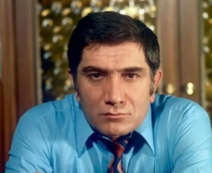 Биография и личная жизнь актера Армена Джигарханяна