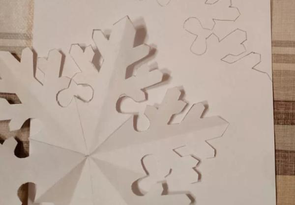 Эскиз снежинки