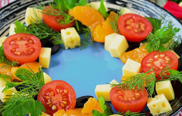 Украшаем зеленью, для заправки можно использовать оливковое масло.