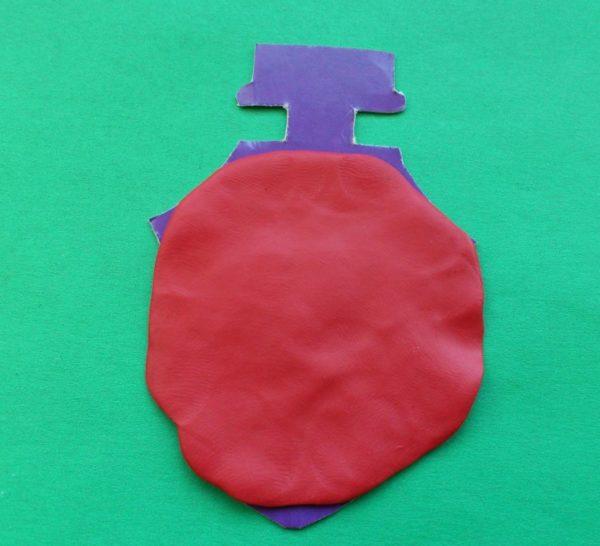 красный пластилин