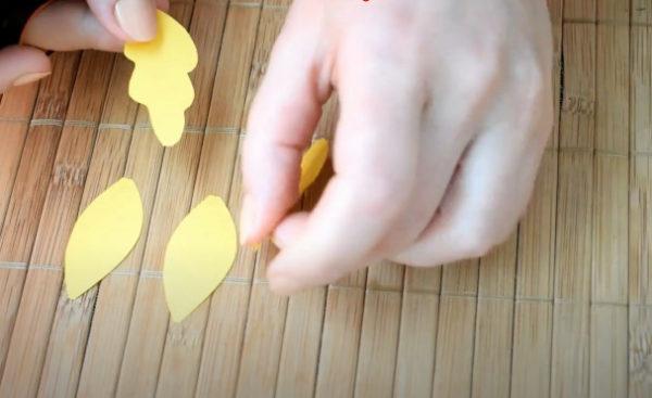 Рисуем лепесточки