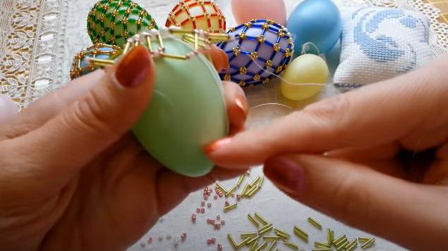 прикладываем яйцо