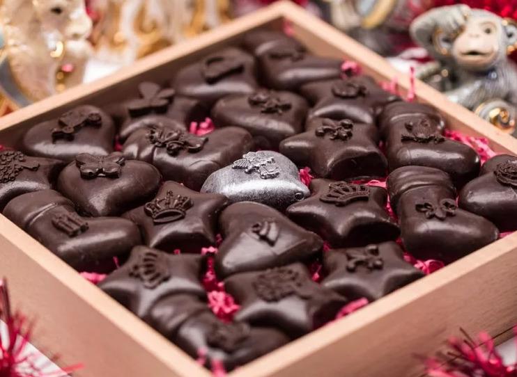 Идеи шоколадных подарков на различные праздники
